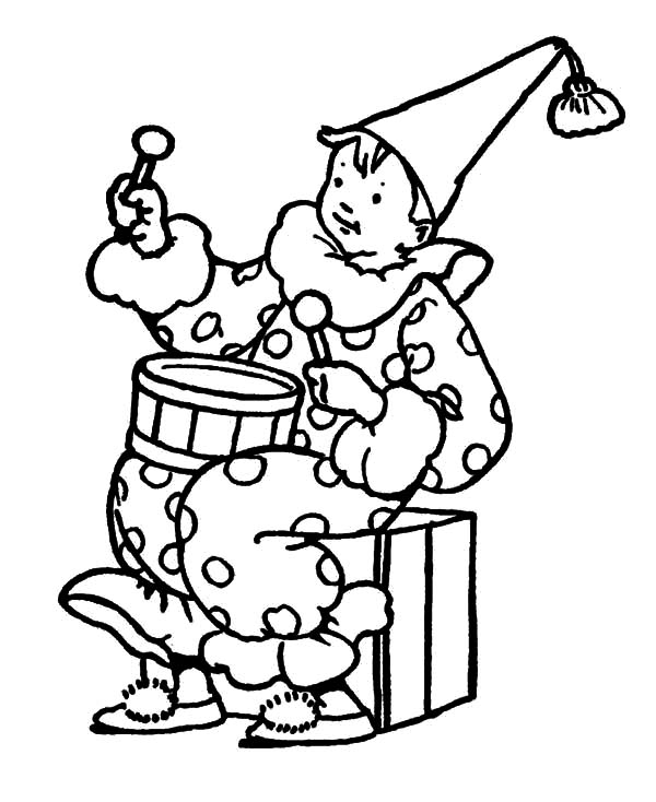 Drummer Boy, : Drummer Boy Wearing Clown Costume Coloring Pages